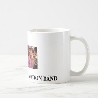 band001、RYTHYMおよび動きバンド コーヒーマグカップ