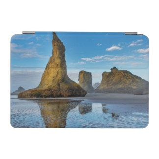 Bandon、オレゴン3のBandonのビーチの海の積み重ね iPad Miniカバー