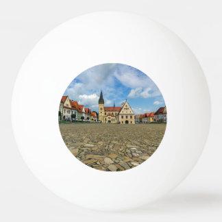 Bardejov、スロバキアの古い町の広場 卓球ボール