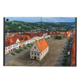 Bardejov、スロバキアの古い町の広場 iPad Airケース