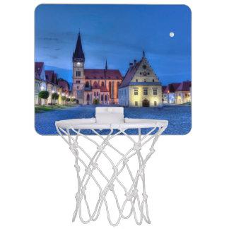 Bardejov、スロバキア、HDRの古い町の広場 ミニバスケットボールゴール
