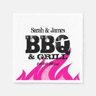 BBQの結婚披露宴のための名前入りなピンクのナプキン スタンダードカクテルナプキン