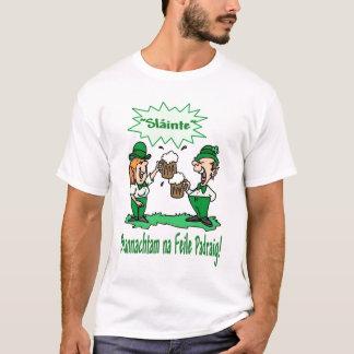 BEANNACHTAM NA FEILE PADEAIG幸せなSt patricks day Tシャツ