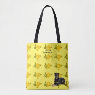 Beauceronおよび黄色バラ トートバッグ