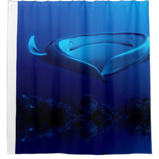 Beautiful Blue Giant Manta Ray シャワーカーテン