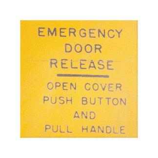 Beechcraftモデル18緊急時のドア解放のデザイン キャンバスプリント