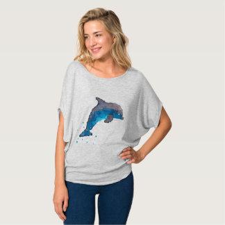 Bella著女性のイルカのFlowyの円の上+キャンバス Tシャツ