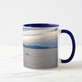 BELLINGHAM湾のカヤック マグカップ