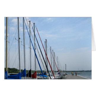 Bellportの波止場のSaiboats、Bellport、NY カード