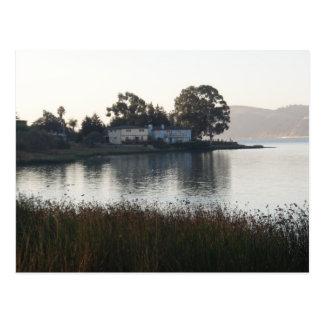 Benicia、カリフォルニアに住んでいる水辺地帯 ポストカード