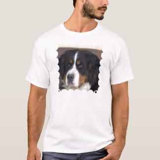 Berner Sennenhundの男性Tシャツ Tシャツ