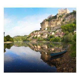 BeynacとCazenacそしてドルドーニュ県の川の写真のプリント フォトプリント