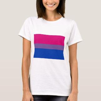 Biの旗は両性のプライドのために飛びます Tシャツ