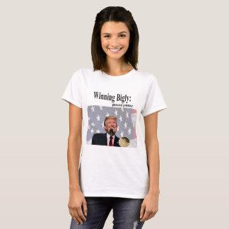 Biglyの勝利形容詞 Tシャツ