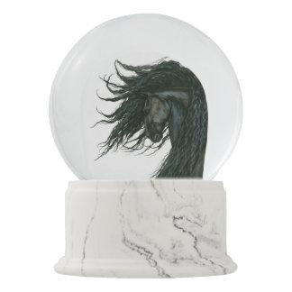 Bihrle著DreamWalkerのFriesianの馬Snowglobe スノーグローブ