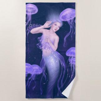 Bioluminescence -紫色のくらげの人魚 ビーチタオル