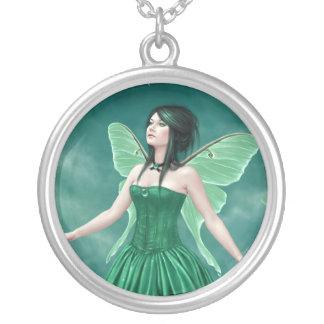 Birthstones -エメラルドの妖精のカメオのネックレス シルバープレートネックレス