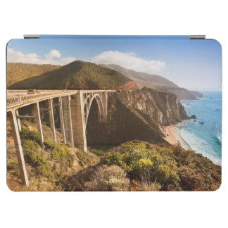 Bixby橋、大きいSur、カリフォルニア、米国 iPad Air カバー