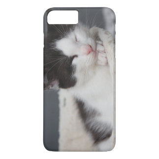 BLACK AND WHITE KITTEN IPHONE CASE iPhone 8 PLUS/7 PLUSケース