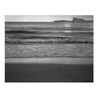 Black and white seaside landscape ポストカード