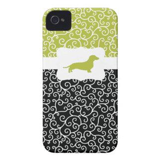 Black&Greenはw/Dachshund渦巻きます Case-Mate iPhone 4 ケース