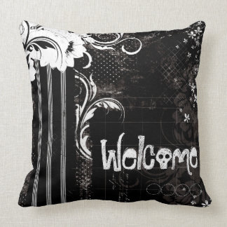 Black White Floral Welcome Skull Throw Pillow クッション
