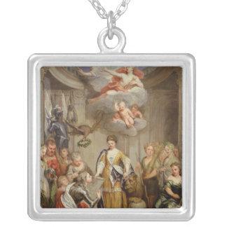 Blenheimの軍隊の計画を示しているアン女王 シルバープレートネックレス