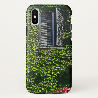 BLUE SHUTTERS/VINE-COVERED WALL/RED PETUNIAS iPhone X ケース