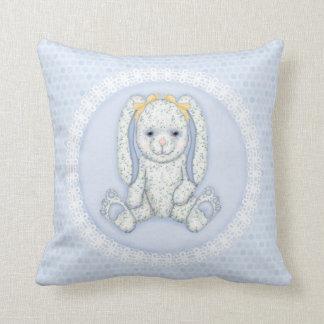 Bluebellのバニーおよび水玉模様の記念品の枕 クッション