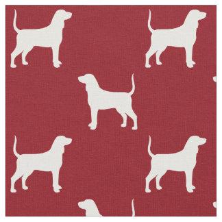 BluetickのCoonhoundはパターン赤のシルエットを描きます ファブリック