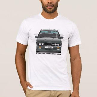 BMW E30 M3第30記念日の(黒い)黒いタイプ Tシャツ