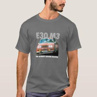 BMW E30 M3 DTMのレーサー(Bastos)の白いタイプ Tシャツ