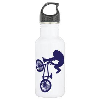 BMXのバイクもしくは自転車に乗る人 ウォーターボトル