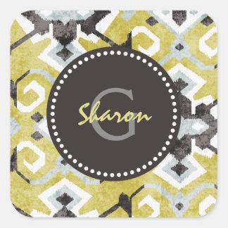 Bohoのシックなダークグレーおよび黄色いイカット種族パターン スクエアシール