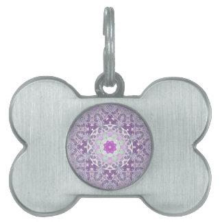 Bohoのシックなボヘミアの薄紫の紫色の曼荼羅 ペットネームタグ