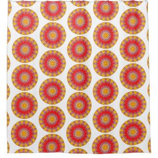 Bohoの黄色および赤い円形の曼荼羅(Lgのプリント) シャワーカーテン