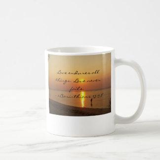 Bolinaoのクラシックのマグの金日没 コーヒーマグカップ