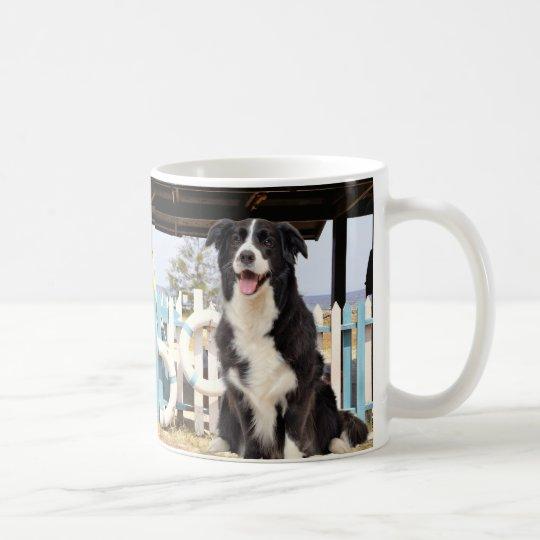 Border Collie on the beach コーヒーマグカップ