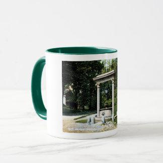 Brattleboro、ヴァーモントの井戸の噴水、ヴィンテージ マグカップ