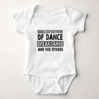 Breakdanceの踊りのデザイン ベビーボディスーツ