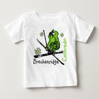 Breckenridgeコロラド州の緑のスキーヤーのベビーのティー ベビーTシャツ