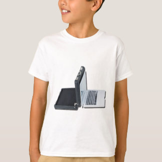 BriefcaseBackedLaptop061315.png Tシャツ