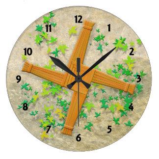 Brigid Cross ラージ壁時計
