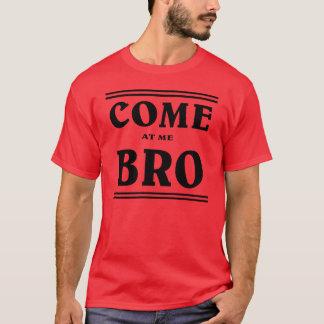 BRO.を私で来られる Tシャツ