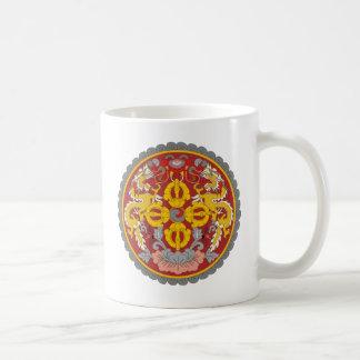 BTブータンの紋章付き外衣 コーヒーマグカップ