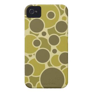 Bubbliciousのブラックベリーのはっきりしたな箱 Case-Mate iPhone 4 ケース