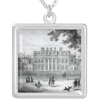 Buckinghamの家 シルバープレートネックレス
