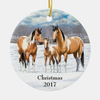 Buckskin Paint Horses In Snow セラミックオーナメント
