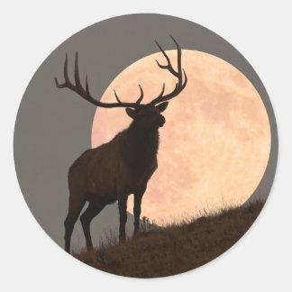 Bullの威厳のあるなオオシカおよび満月の上昇 ラウンドシール