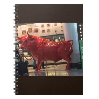 Bull力の赤く激烈な動物の戦いは友人に合いました ノートブック